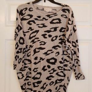 Leaopard print sweater